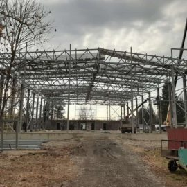 АМЗ участвует в строительстве спорткомплекса